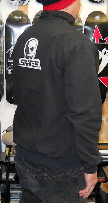 ウエストポーチなどでも使用しているキャンバス地のジャケット! ロゴはプリントではなくフロント、バック共にワッペンとなります。 SKULL SKATES  BLACK DENIM ... 2db6c2599